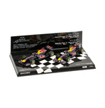 RED BULL RB7 SET CONSTRUCTOR WORLD CHAMPION 2011