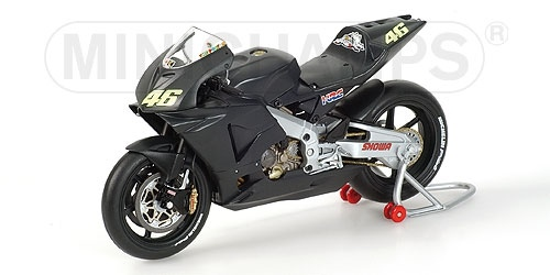 HONDA RC211V VALENTINO ROSSI TEST BIKE 2002